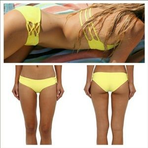 Yellow l space bottoms size small